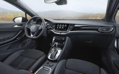 Yeni Opel Astra HB Sınıfında Standartları Belirlemeye Devam Ediyor