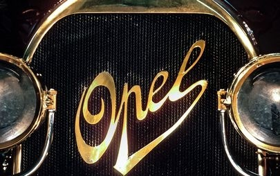 Opel Logosunun Zamanda Yolculuğu